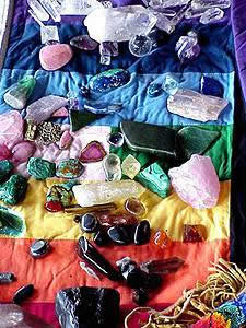 Crystal Healing, Crystals, Healing with Gemstones, New Age, crystal layouts,  healing with gemstones